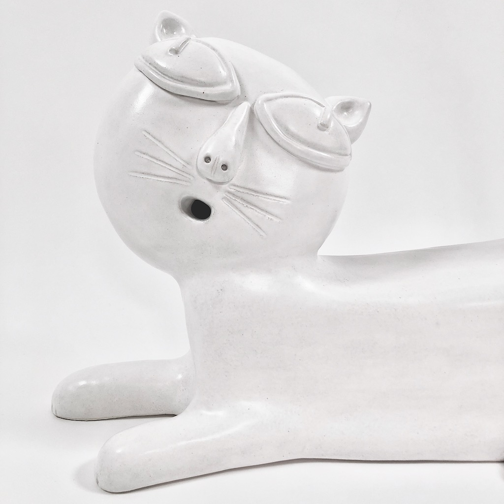 DaLo - White Ceramic Lamp Base, Cat Shaped