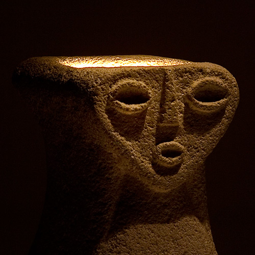 Anthropomorphic stone lamp